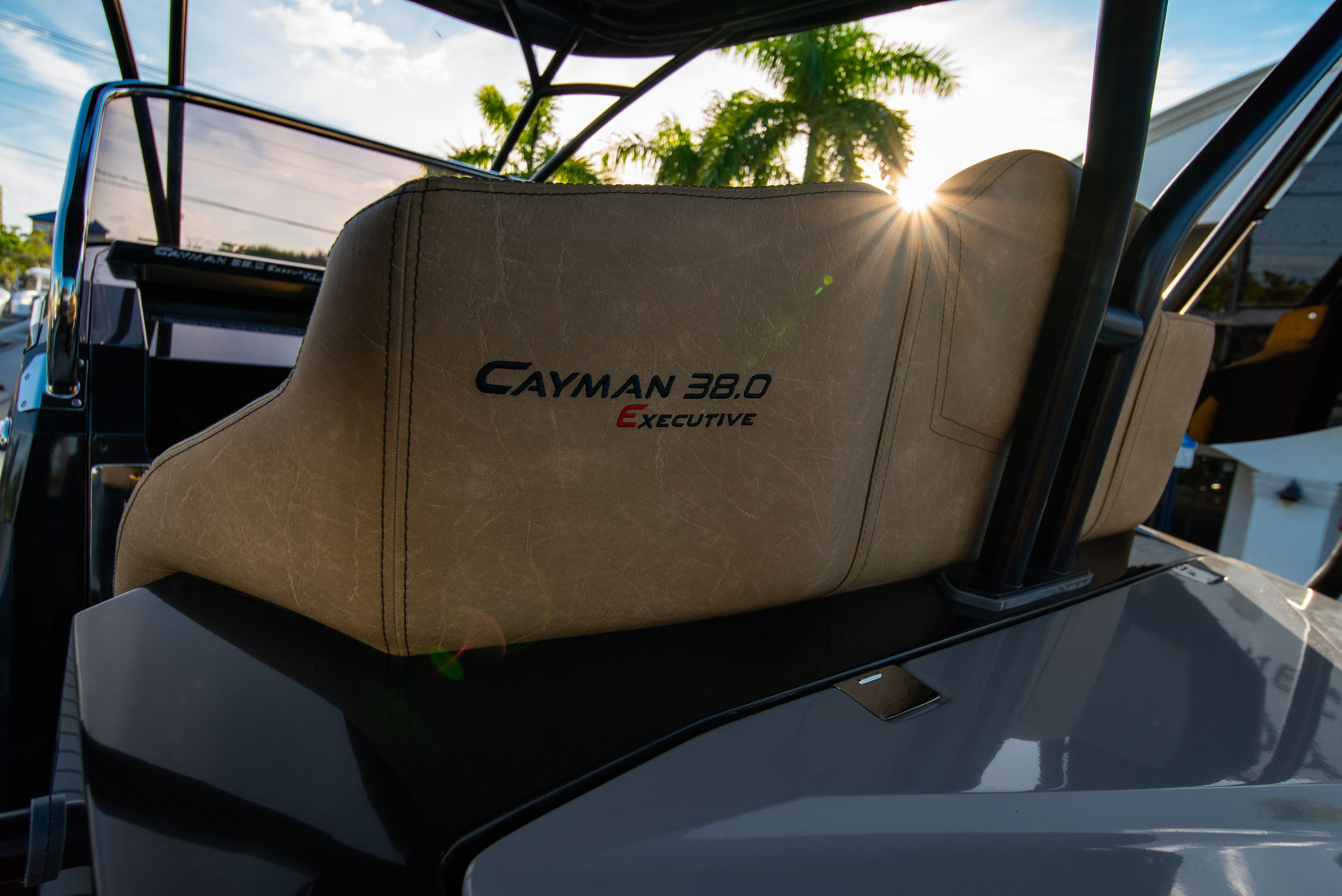 Thumbnail 14 for New 2019 Ranieri Cayman 38 Executive boat for sale in West Palm Beach, FL