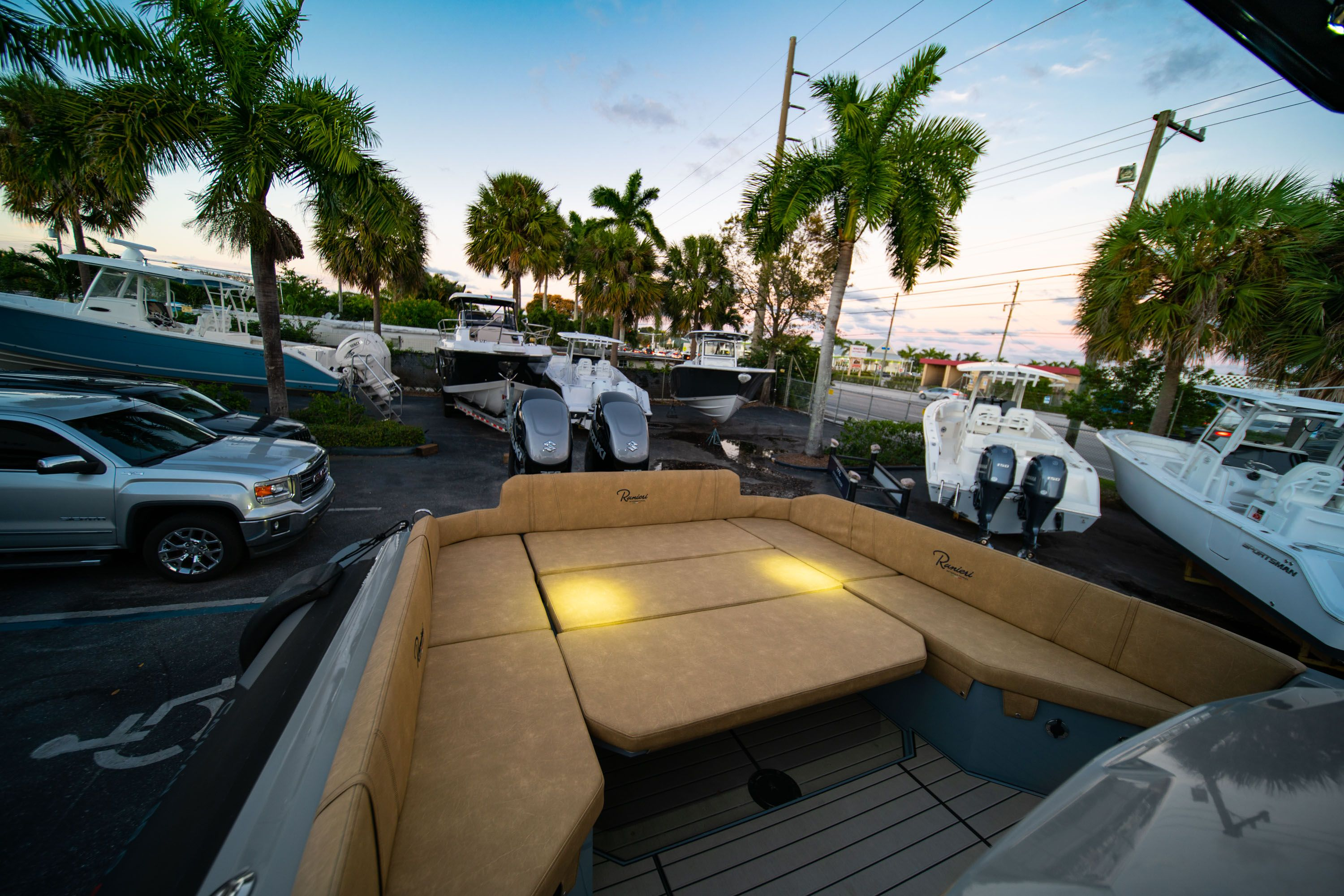 Thumbnail 19 for New 2019 Ranieri Cayman 38 Executive boat for sale in West Palm Beach, FL