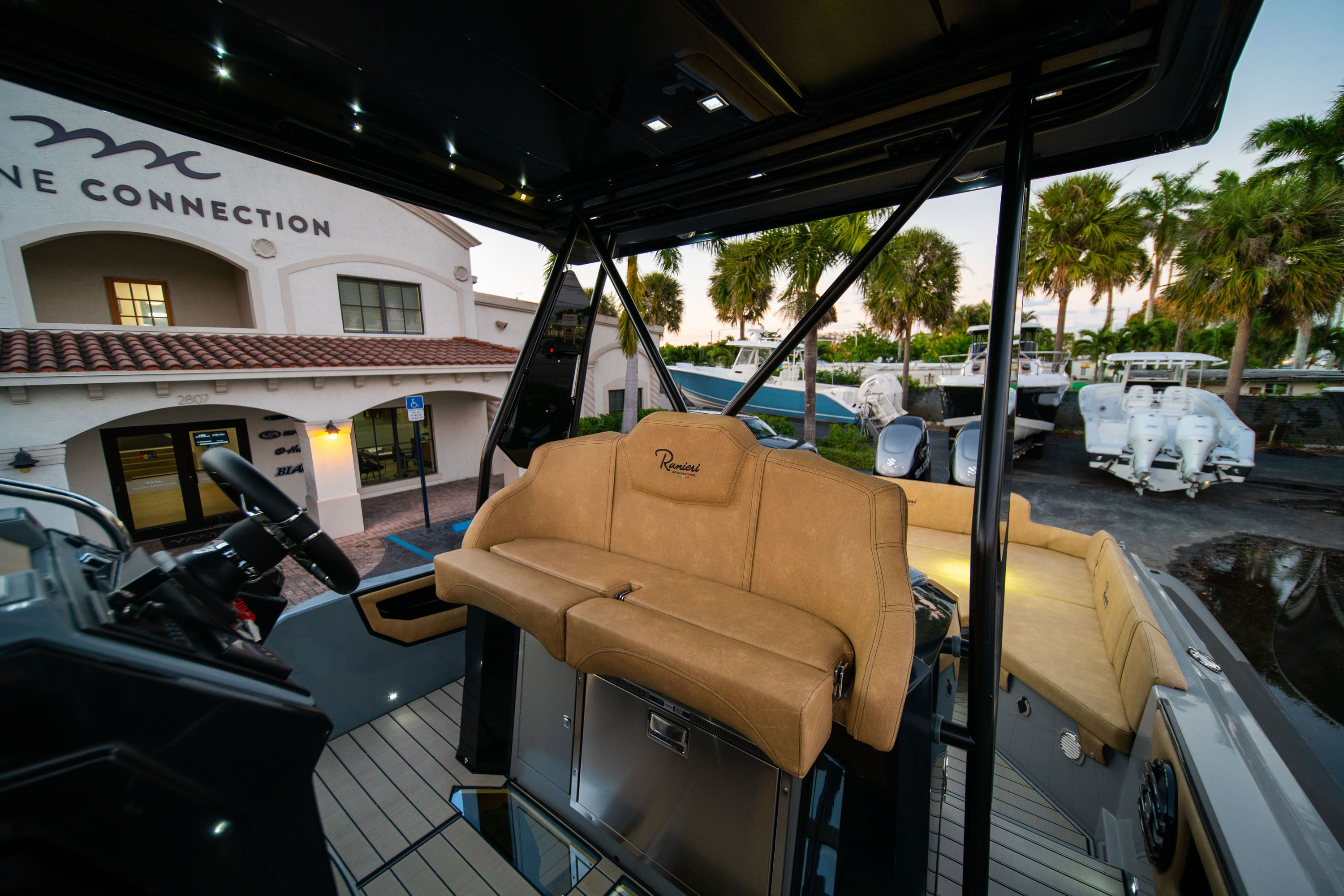 Thumbnail 31 for New 2019 Ranieri Cayman 38 Executive boat for sale in West Palm Beach, FL