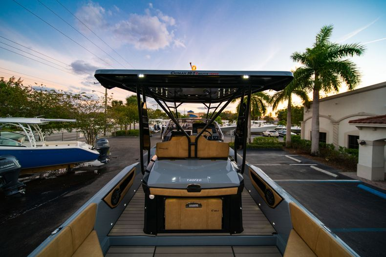 Thumbnail 10 for New 2019 Ranieri Cayman 38 Executive boat for sale in West Palm Beach, FL