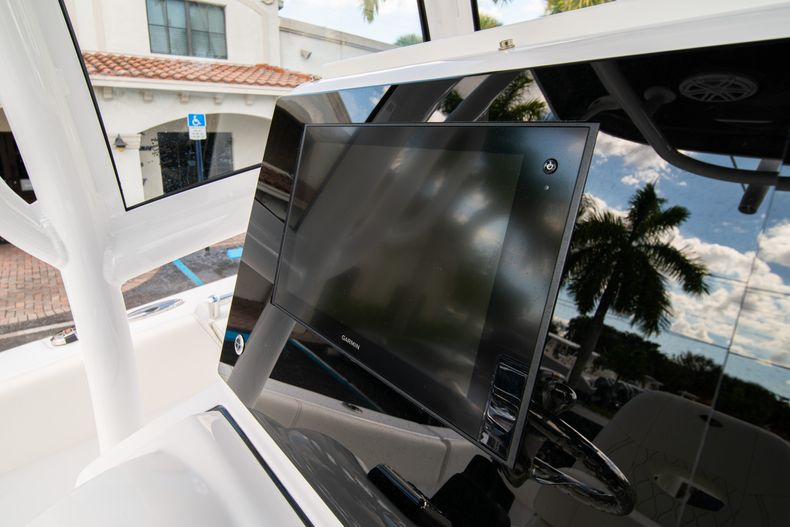 Thumbnail 27 for New 2020 Sportsman Heritage 251 Center Console boat for sale in West Palm Beach, FL