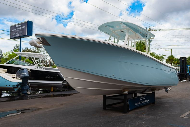 Thumbnail 3 for New 2019 Cobia 301 CC Center Console boat for sale in Islamorada, FL