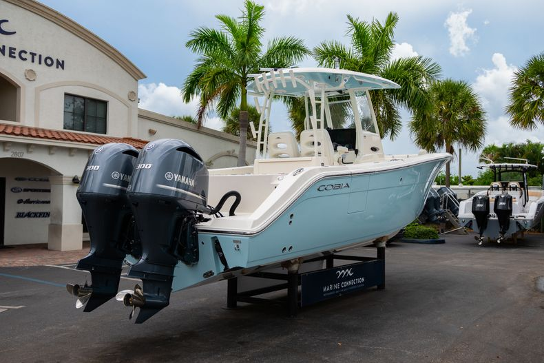 Thumbnail 7 for New 2019 Cobia 301 CC Center Console boat for sale in Islamorada, FL