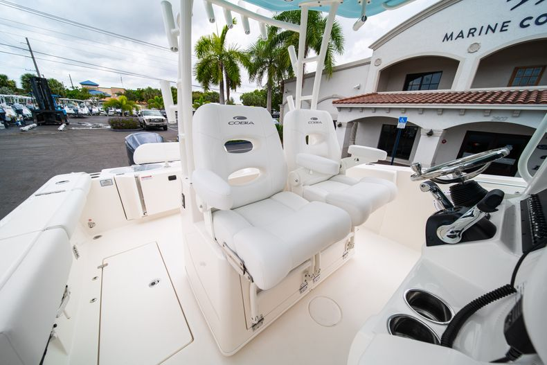 Thumbnail 29 for New 2019 Cobia 301 CC Center Console boat for sale in Islamorada, FL
