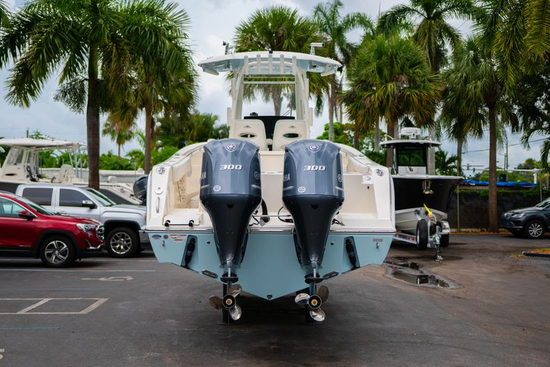 Thumbnail 6 for New 2019 Cobia 301 CC Center Console boat for sale in Islamorada, FL