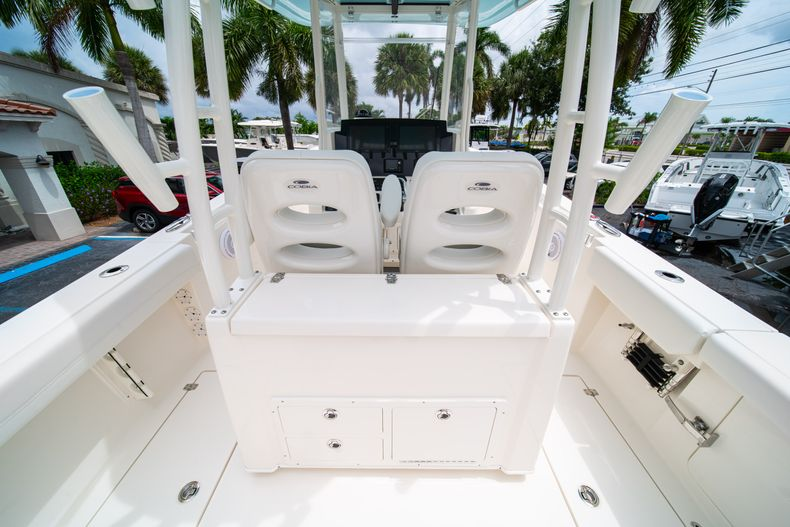 Thumbnail 19 for New 2019 Cobia 301 CC Center Console boat for sale in Islamorada, FL