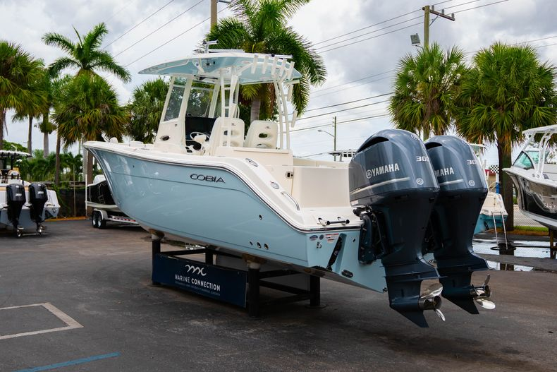 Thumbnail 5 for New 2019 Cobia 301 CC Center Console boat for sale in Islamorada, FL