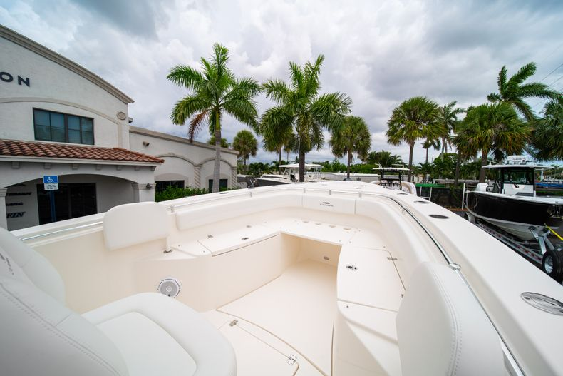 Thumbnail 36 for New 2019 Cobia 301 CC Center Console boat for sale in Islamorada, FL