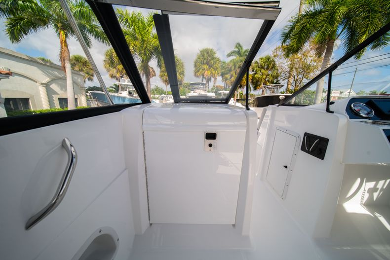 Thumbnail 24 for New 2020 Hurricane SD235 OB boat for sale in West Palm Beach, FL