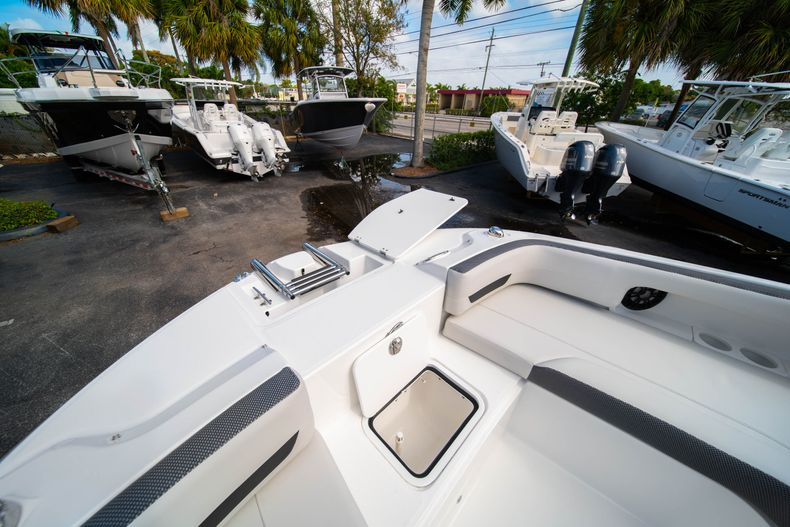 Thumbnail 34 for New 2020 Hurricane SD235 OB boat for sale in West Palm Beach, FL