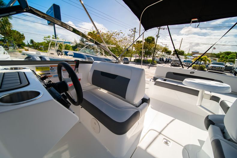 Thumbnail 27 for New 2020 Hurricane SD235 OB boat for sale in West Palm Beach, FL