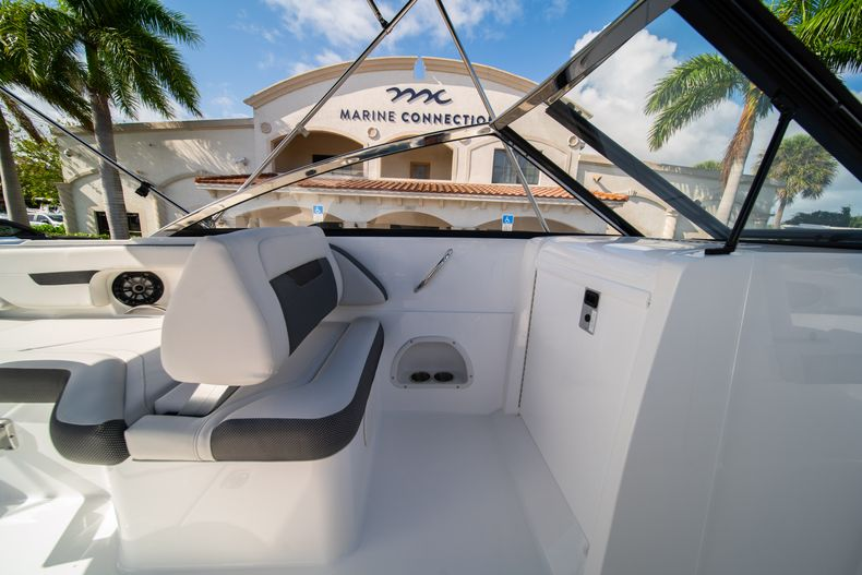 Thumbnail 26 for New 2020 Hurricane SD235 OB boat for sale in West Palm Beach, FL