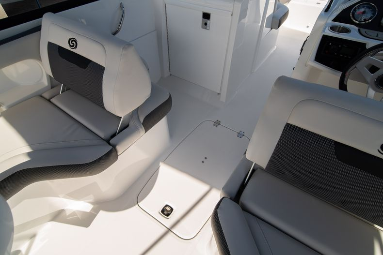 Thumbnail 17 for New 2020 Hurricane SD235 OB boat for sale in West Palm Beach, FL