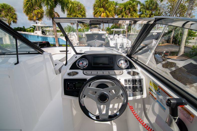 Thumbnail 19 for New 2020 Hurricane SD235 OB boat for sale in West Palm Beach, FL