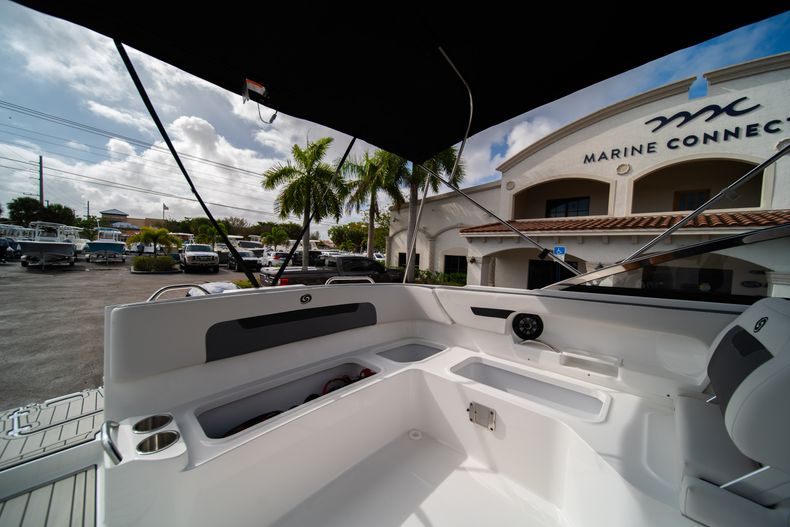 Thumbnail 13 for New 2020 Hurricane SD235 OB boat for sale in West Palm Beach, FL