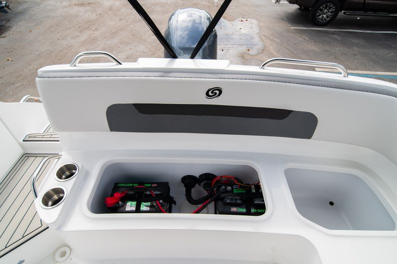 Thumbnail 14 for New 2020 Hurricane SD235 OB boat for sale in West Palm Beach, FL