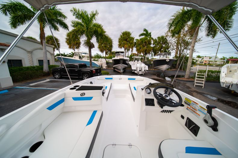Thumbnail 8 for New 2020 Hurricane SS 185 OB boat for sale in Fort Lauderdale, FL