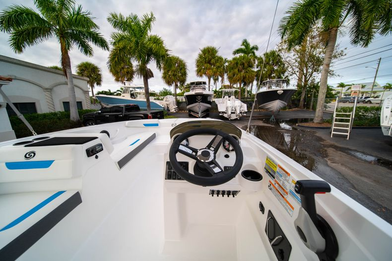 Thumbnail 15 for New 2020 Hurricane SS 185 OB boat for sale in Fort Lauderdale, FL