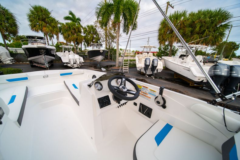 Thumbnail 16 for New 2020 Hurricane SS 185 OB boat for sale in Fort Lauderdale, FL