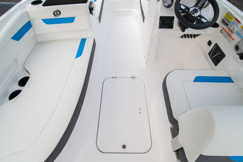 Thumbnail 13 for New 2020 Hurricane SS 185 OB boat for sale in Fort Lauderdale, FL