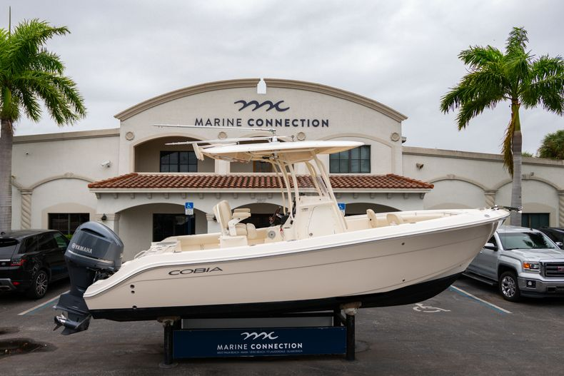 Used 2016 Cobia 237 Center Console boat for sale in West Palm Beach, FL