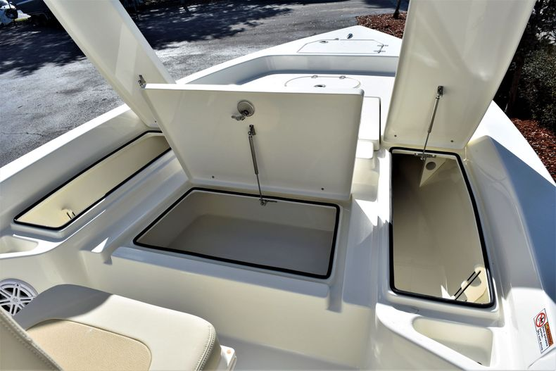 Thumbnail 19 for New 2020 Pathfinder 2400 TRS boat for sale in Fort Lauderdale, FL