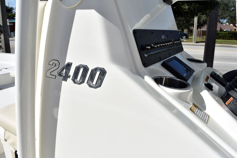 Thumbnail 15 for New 2020 Pathfinder 2400 TRS boat for sale in Fort Lauderdale, FL