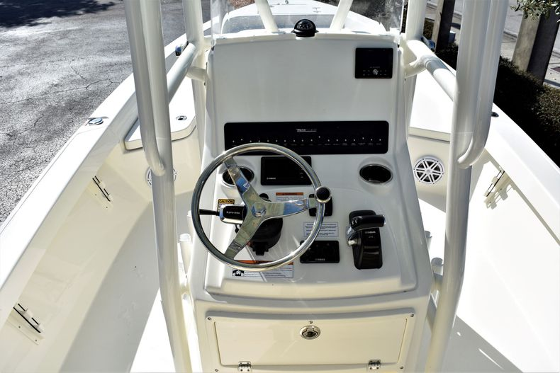 Thumbnail 14 for New 2020 Pathfinder 2400 TRS boat for sale in Fort Lauderdale, FL