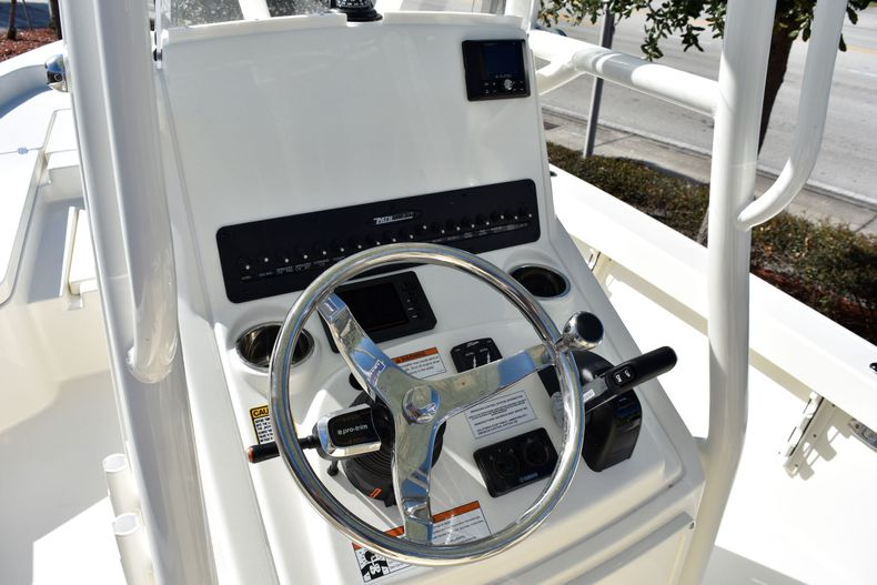 Thumbnail 31 for New 2020 Pathfinder 2400 TRS boat for sale in Fort Lauderdale, FL
