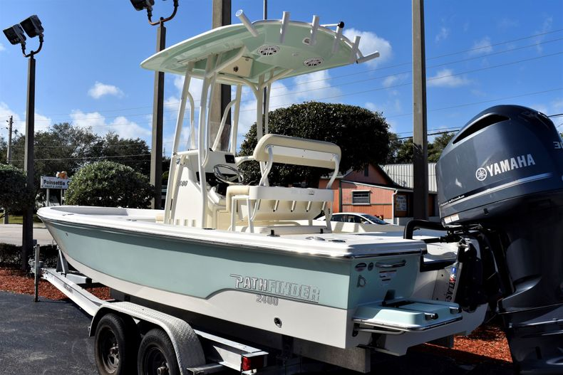 Thumbnail 4 for New 2020 Pathfinder 2400 TRS boat for sale in Fort Lauderdale, FL