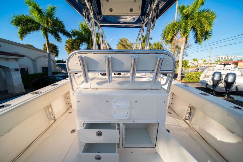 Thumbnail 15 for Used 2014 Cobia 256 CC boat for sale in West Palm Beach, FL