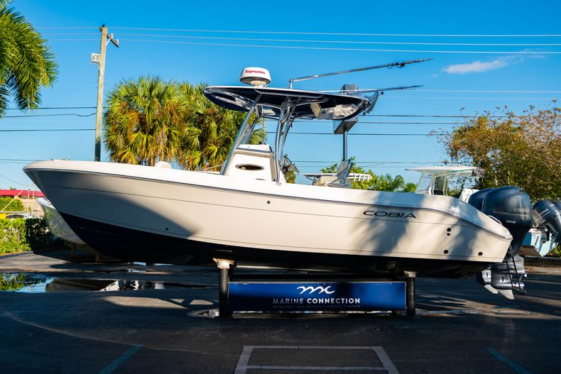 Thumbnail 4 for Used 2014 Cobia 256 CC boat for sale in West Palm Beach, FL