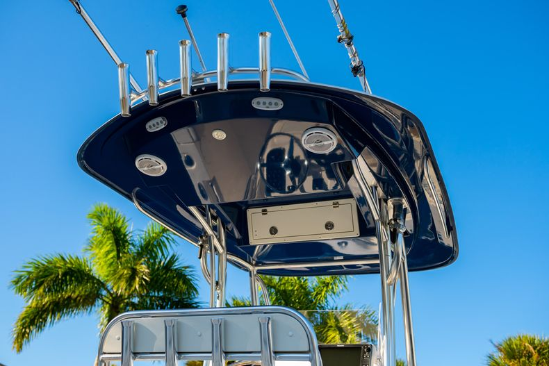 Thumbnail 9 for Used 2014 Cobia 256 CC boat for sale in West Palm Beach, FL