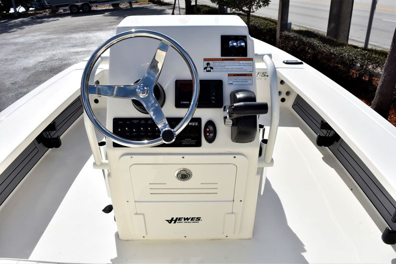 Thumbnail 9 for New 2020 Hewes Redfisher 18 Skiff boat for sale in Fort Lauderdale, FL