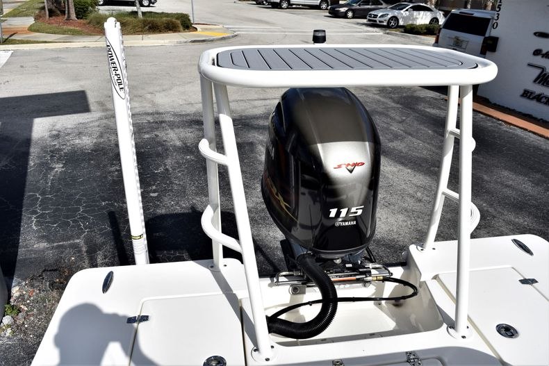 Thumbnail 14 for New 2020 Hewes Redfisher 18 Skiff boat for sale in Fort Lauderdale, FL