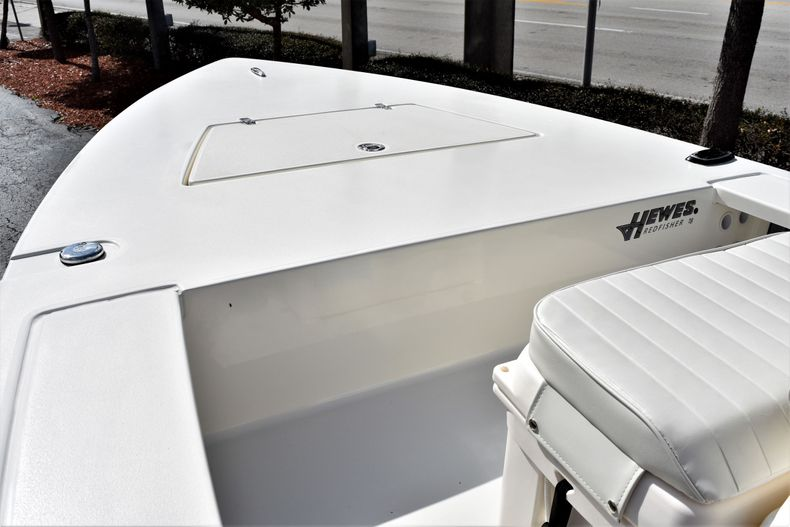 Thumbnail 10 for New 2020 Hewes Redfisher 18 Skiff boat for sale in Fort Lauderdale, FL