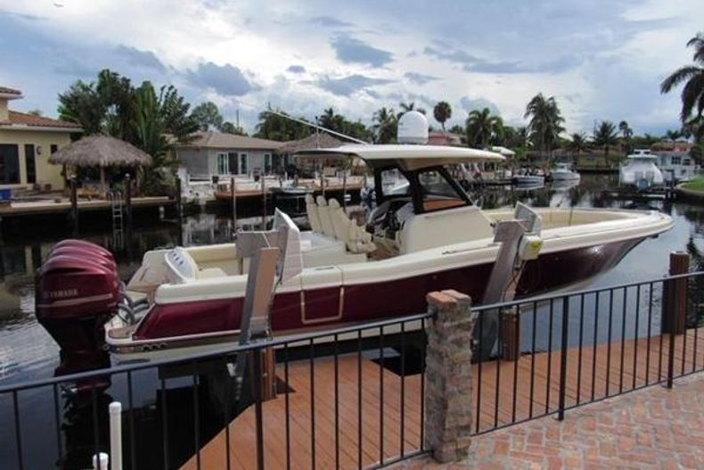 Thumbnail 1 for Used 2018 Chris Craft Catalina boat for sale in West Palm Beach, FL