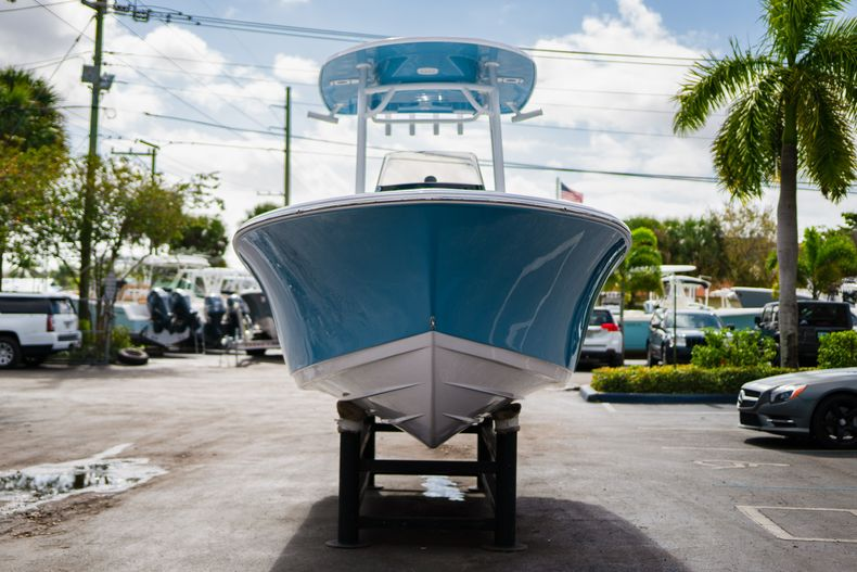 Thumbnail 2 for New 2020 Sportsman Open 212 Center Console boat for sale in West Palm Beach, FL