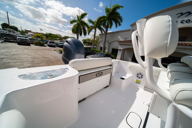 Thumbnail 11 for New 2020 Sportsman Open 212 Center Console boat for sale in West Palm Beach, FL