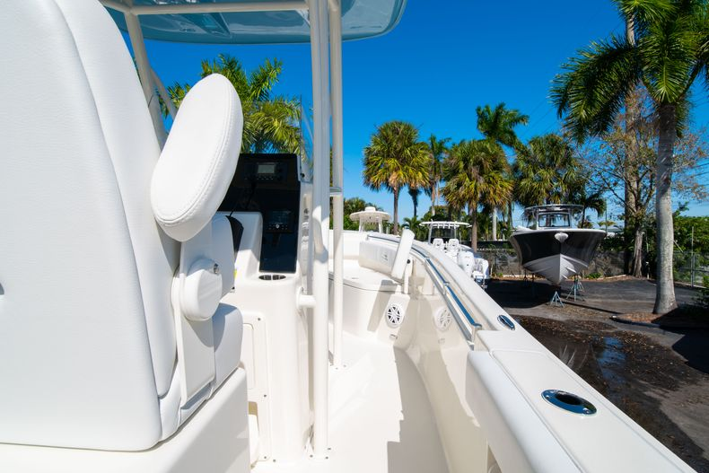 Thumbnail 17 for New 2020 Cobia 220 CC Center Console boat for sale in West Palm Beach, FL