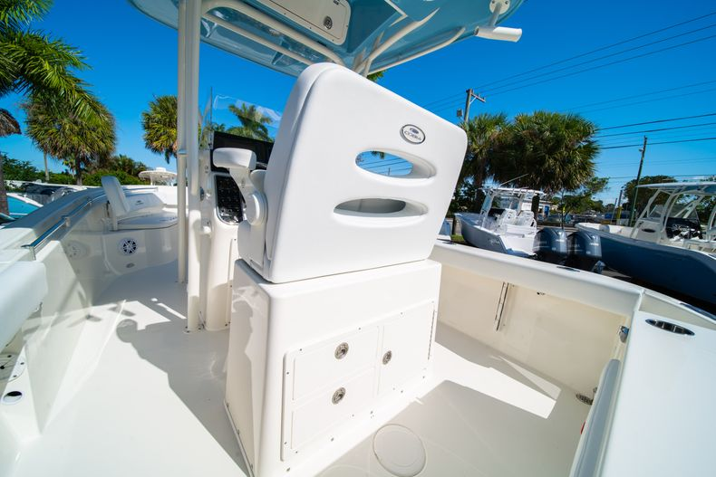 Thumbnail 15 for New 2020 Cobia 220 CC Center Console boat for sale in West Palm Beach, FL