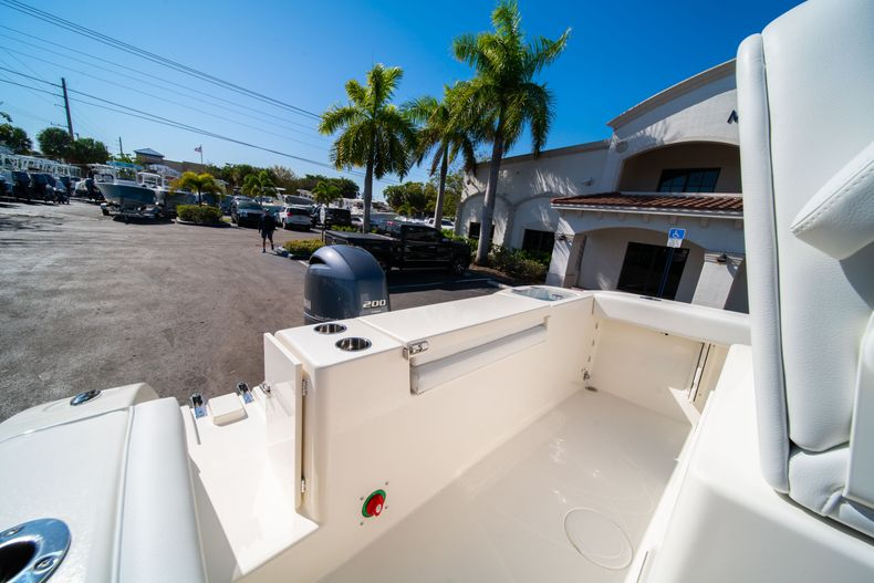 Thumbnail 9 for New 2020 Cobia 220 CC Center Console boat for sale in West Palm Beach, FL