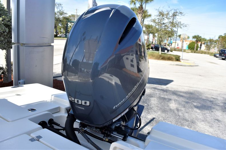 Thumbnail 17 for New 2020 Pathfinder 2200 TRS boat for sale in Vero Beach, FL