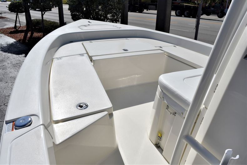 Thumbnail 11 for New 2020 Pathfinder 2200 TRS boat for sale in Vero Beach, FL