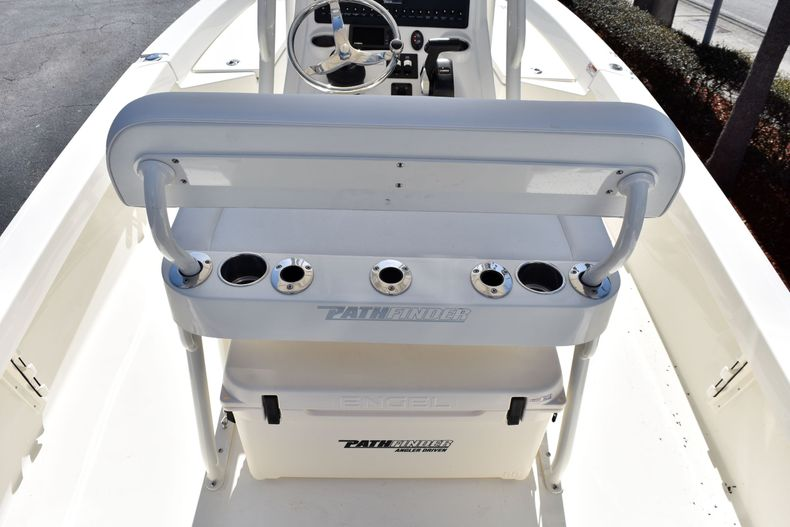 Thumbnail 8 for New 2020 Pathfinder 2200 TRS boat for sale in Vero Beach, FL