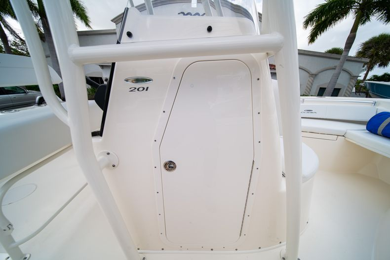 Thumbnail 28 for New 2020 Cobia 201 CC Center Console boat for sale in Miami, FL