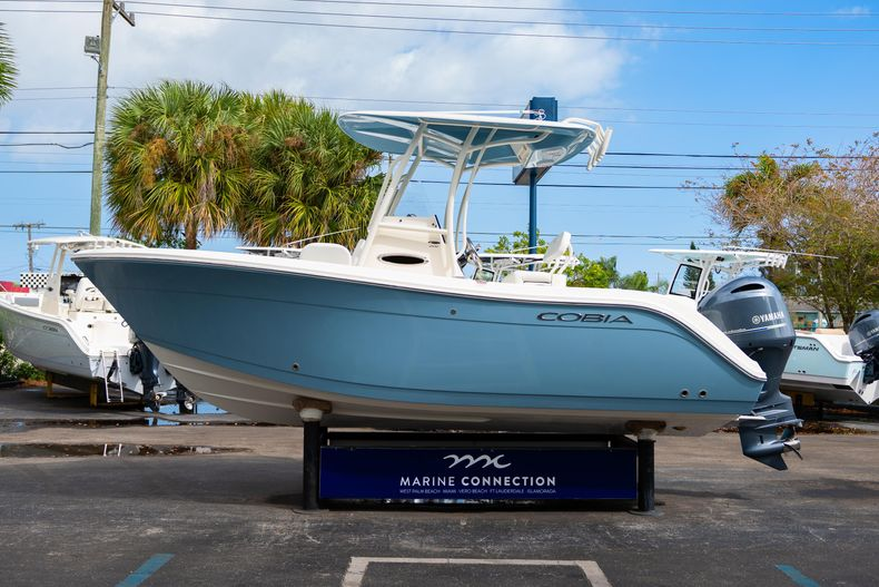 Thumbnail 4 for New 2020 Cobia 201 CC Center Console boat for sale in Miami, FL
