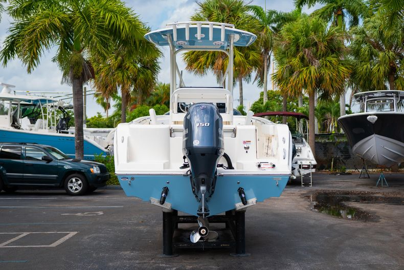 Thumbnail 6 for New 2020 Cobia 201 CC Center Console boat for sale in Miami, FL