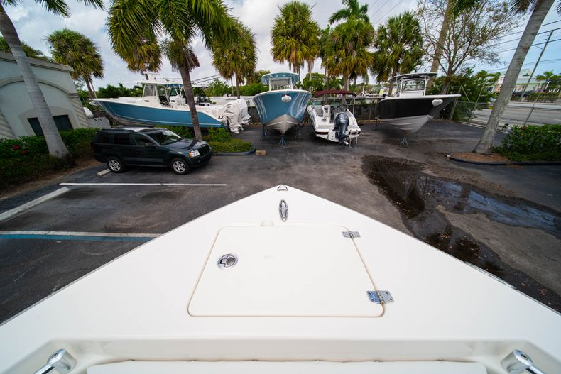 Thumbnail 35 for New 2020 Cobia 201 CC Center Console boat for sale in Miami, FL