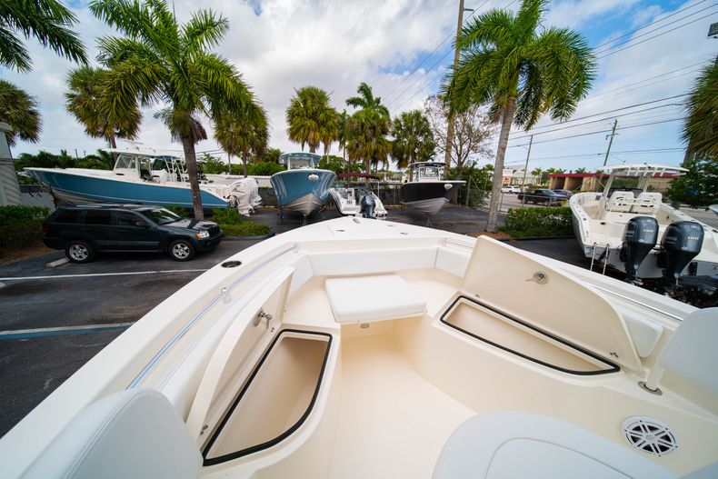 Thumbnail 33 for New 2020 Cobia 201 CC Center Console boat for sale in Miami, FL
